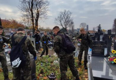 Akcja sprzątania zabytkowego cmentarza